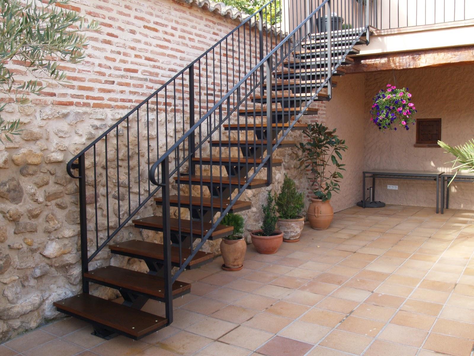 Escaleras de hierro y madera precios good escalera for Barandilla escalera exterior