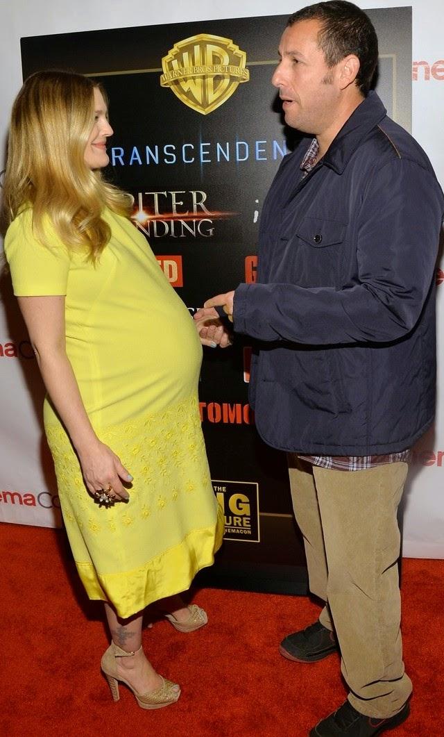 Drew Barrymore tiene la barriga grande por estos días