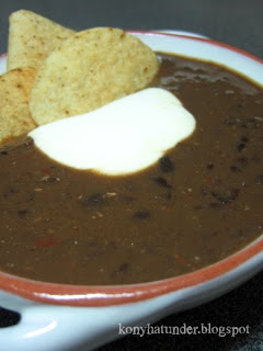 Mexican-black-bean-soup-corn-chips