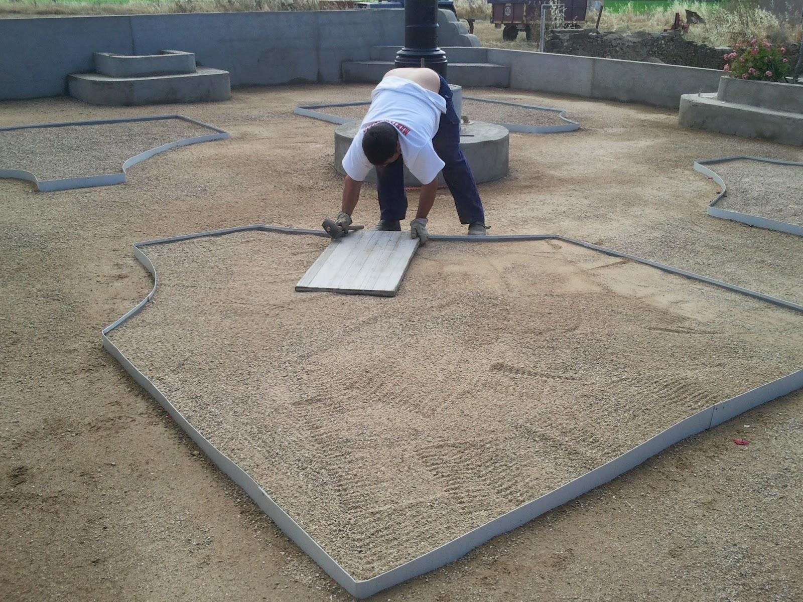 Jardin de bajo consumo en huelaga jardines extreplant for Jardines de bajo mantenimiento