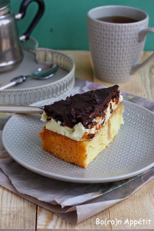 Ciasto z suszonymi śliwkami i alkoholem