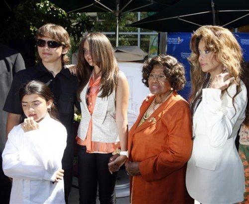 Los Jackson No Están De Acuerdo Con Las Fotos De Paris Jackson 72