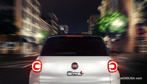 Fiat 500L Lounge in the city