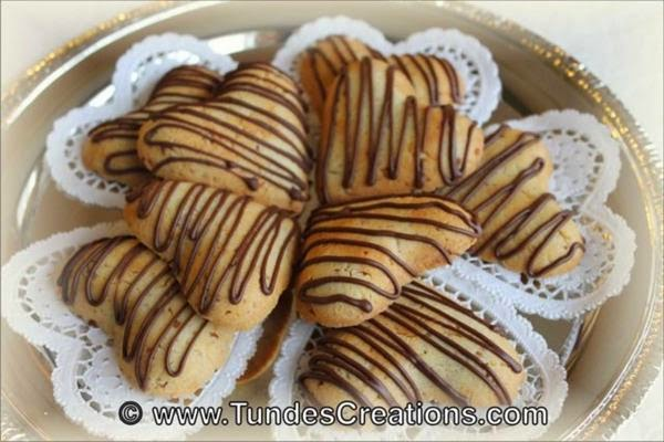Almond heart cookie