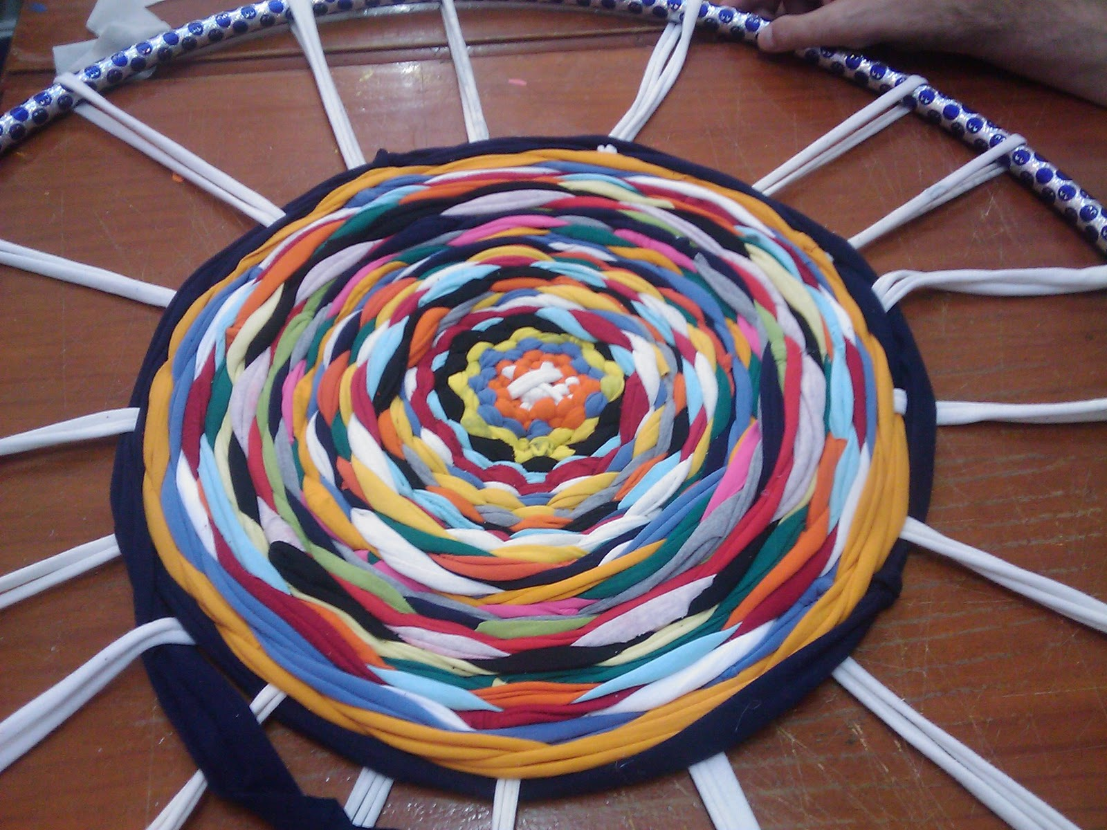 Adial taller de alfombras recicladas for Alfombras usadas