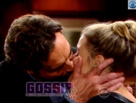 Ridge e Caroline si baciano