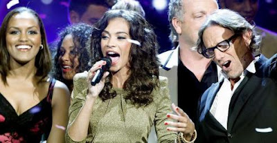 Schema X-Factor-winnares Rochelle zit vol