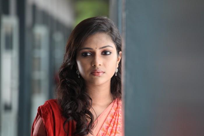 Deiva Thirumagan  Tamil Movie StillsPicsWallpaper Gallery movie photos