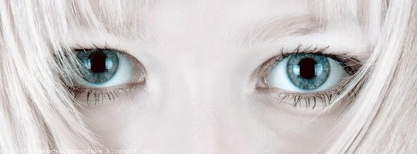 Couverture facebook avec yeux bleu triste