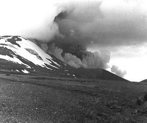 Hekla_volcano_in_Southern_Iceland