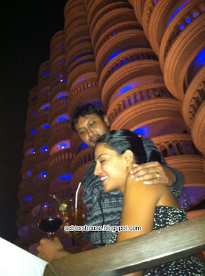 Veena Malik and Hemant Madhukar 3D Love Life hot photos