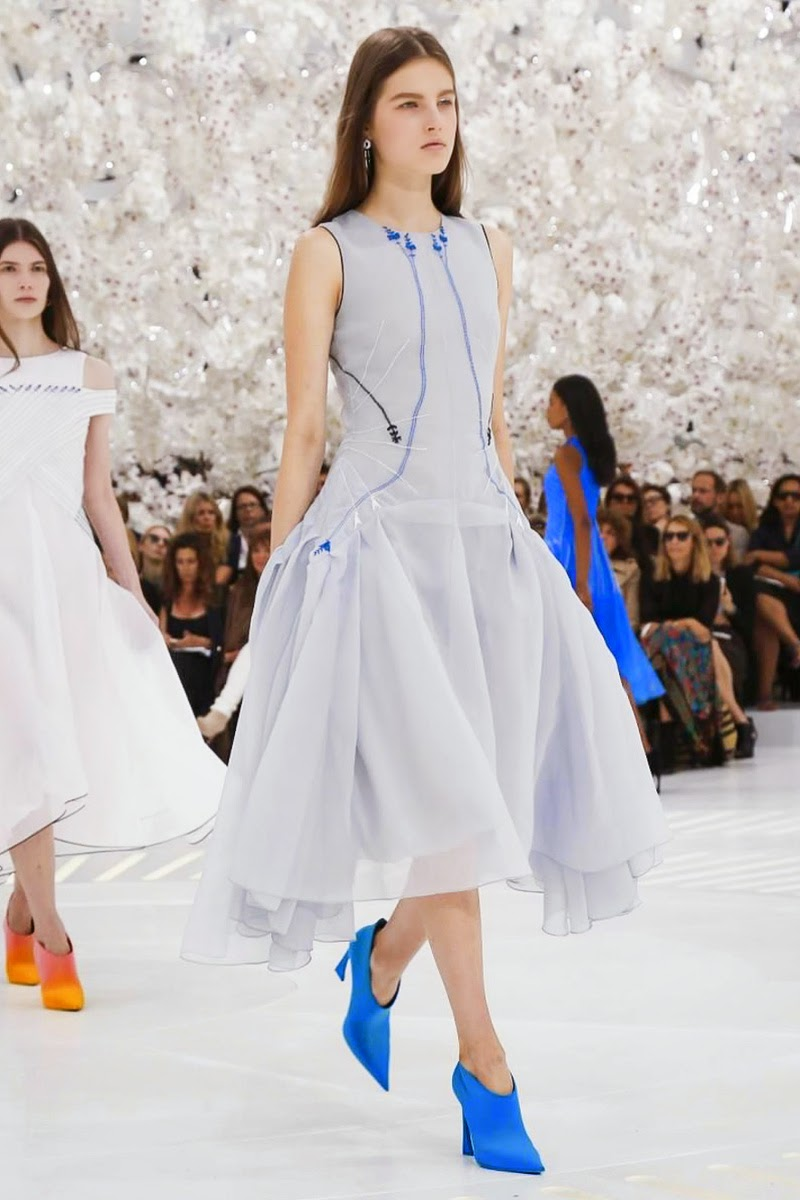 Fashion on the couch christian dior haute couture fall for Haute couture translation