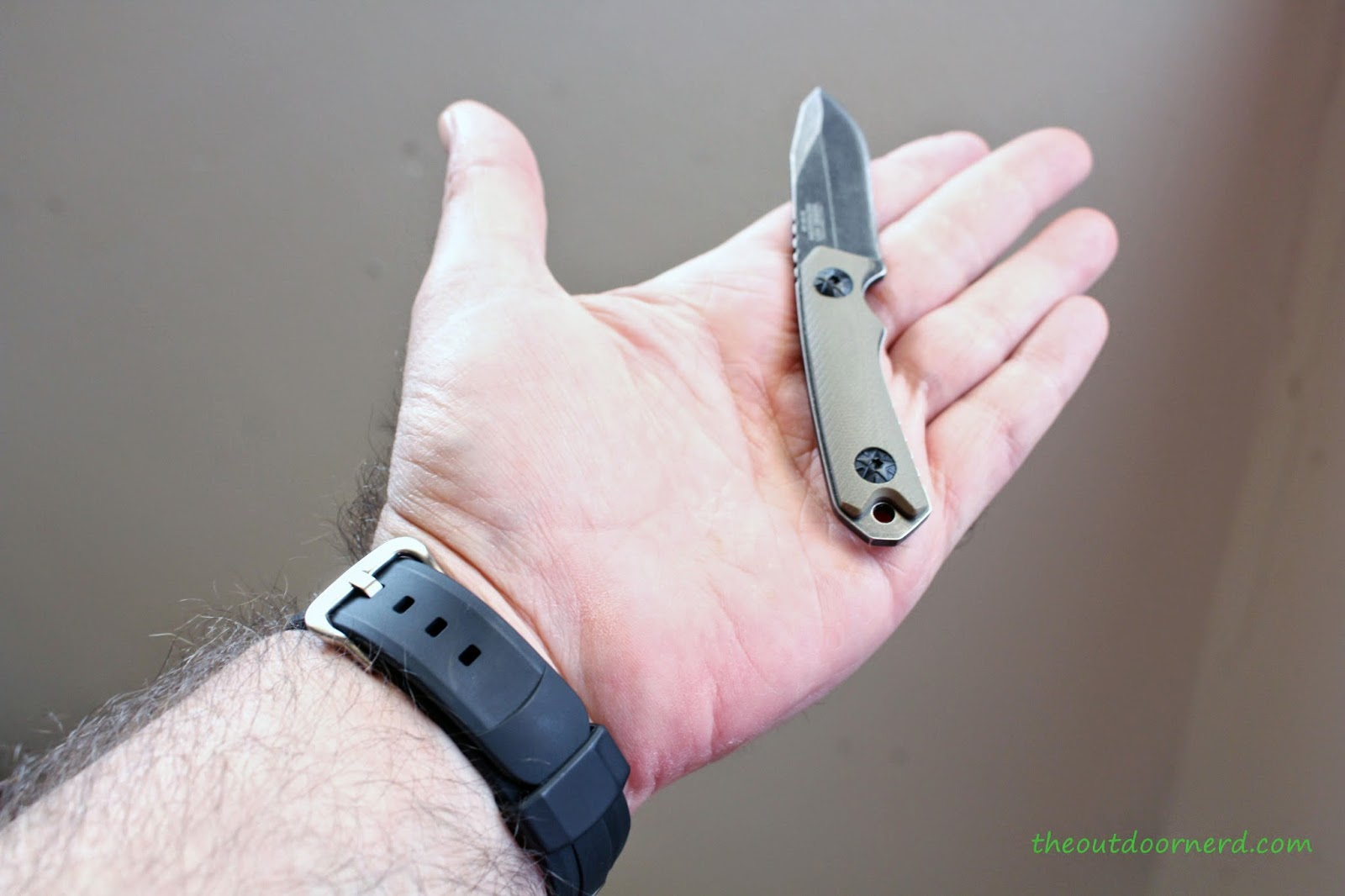 MTECH MT-20-30 Fixed Blade Knife: In Hand 2