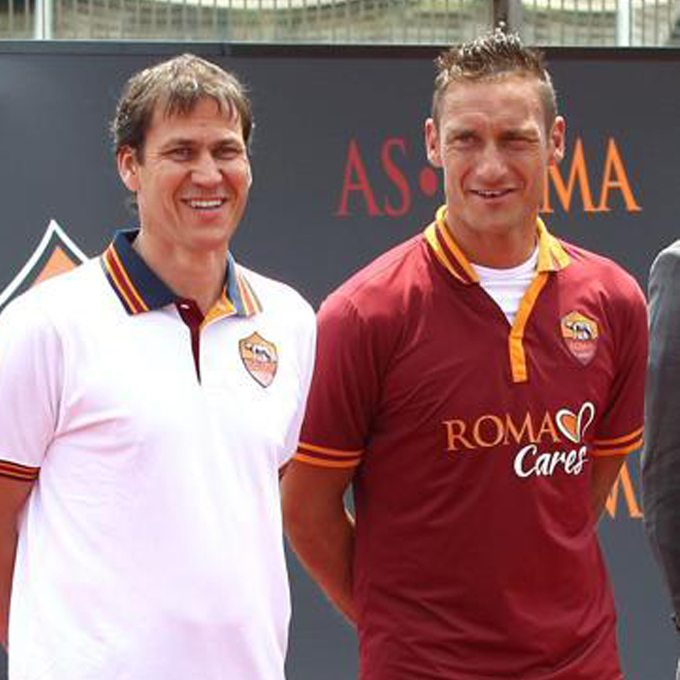Jersey AS Roma Home dan Away 2013/2014