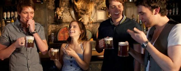 La cerveza de mantequilla de Harry Potter llega a Starbucks. Los actores de la saga brindan con la extraña bebida