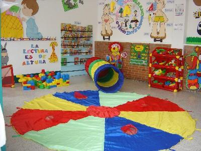 Psicopedagogas en linea beneficios del material did ctico for Decoracion de espacios de preescolar