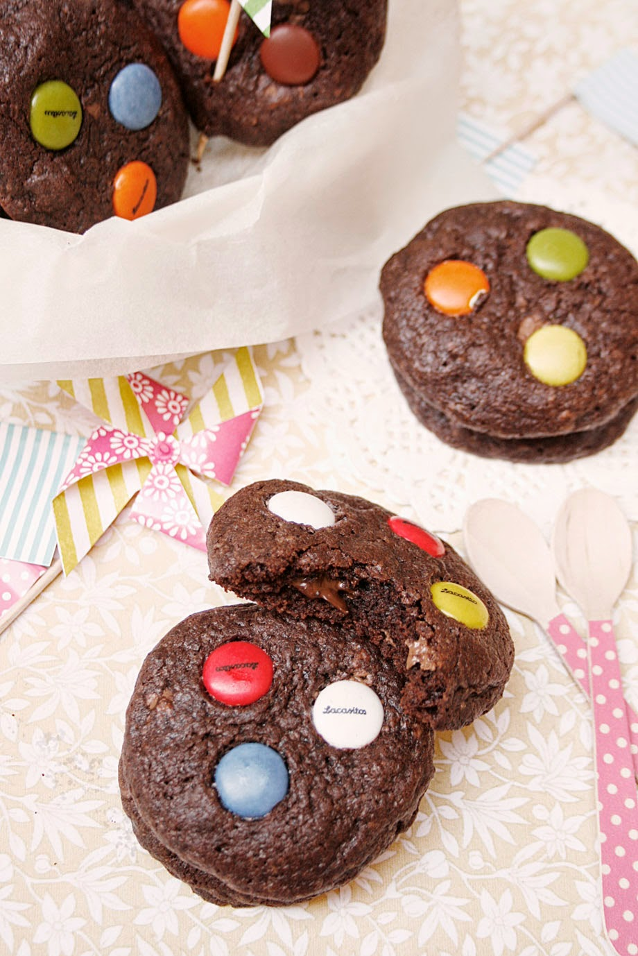 cookies-de-chocolate-y-lacasitos