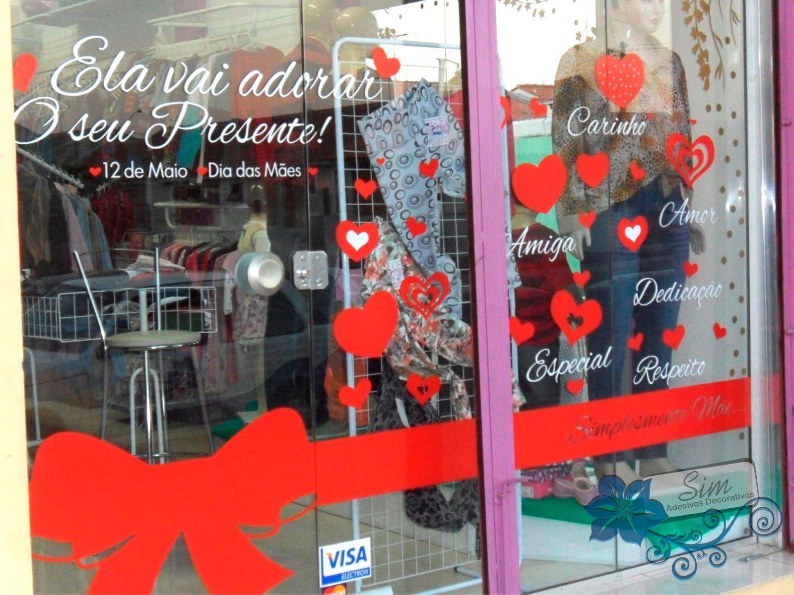Sim adesivos Decore a vitrine de sua loja para o Dia das M u00e3es! -> Decoração Dia Das Mães Em Loja