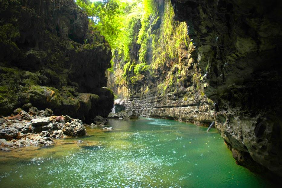 Paket Wisata Pangandaran, Batu Karas & Green Canyon,Paket Tour domestik .
