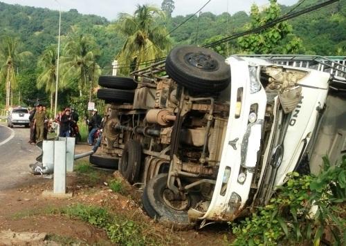 Gia Lai: Lật xe tải, 4 người thương vong trên Quốc lộ 19