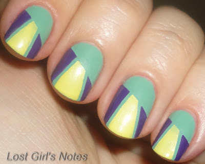 striping tape geometric manicure