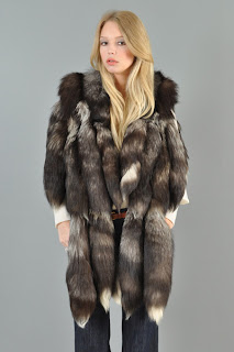 Vintage 1970's bohemian brown and white fox tail hippie gillet vest