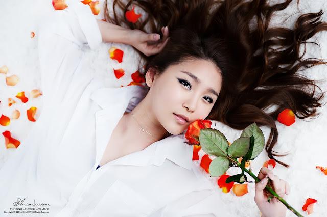Model Bang Eun Young