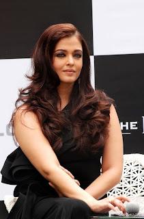 Sejak berkahwin dengan Abhishek Bachchan pada April 2007, Aishwarya