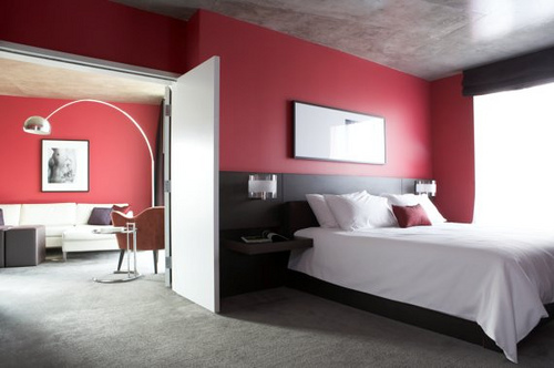 Beautiful Red Decoration In The Bedroom Performance