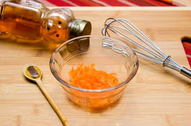 Cách xóa nếp nhăn trên mặt hiệu quả bằng Cà Rốt