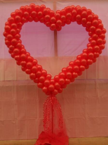Balloons decorations ideas decorating ideas for Balloon decoration for valentines day