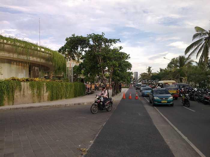 Street on Kuta Beach Bali