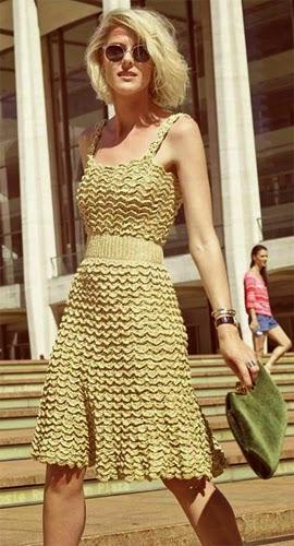 Vanessa Montoro coleção verão 2015 vestido crochê com lurex dourado para festa