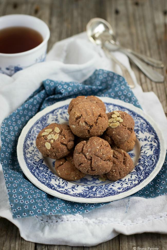 biscotti alle mandorle vegan e senza zucchero