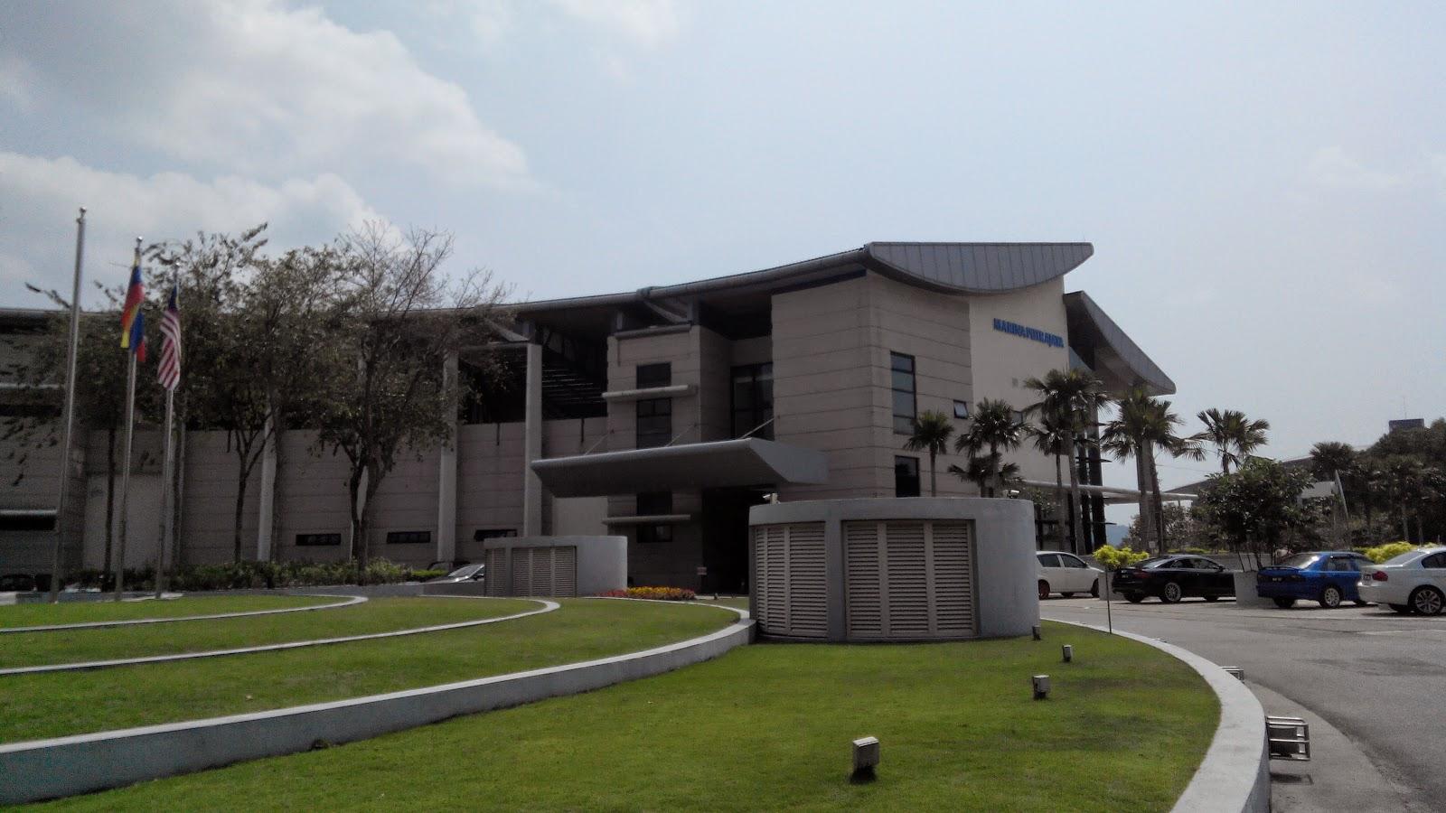 I Y O U Hujung Minggu Di Swimming Pool Presint 5 Putrajaya