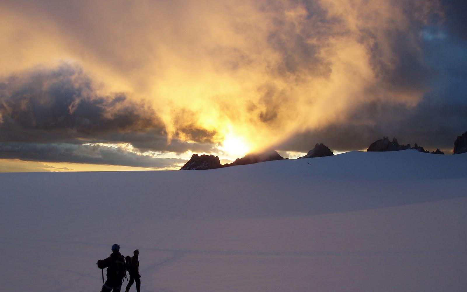 http://3.bp.blogspot.com/-MupPukcTB-Q/TrVis_AfL2I/AAAAAAAAUk8/Ee0e9U0nKjA/s1600/mountain-climbing-wallpaper-1920x1200-0003.jpg
