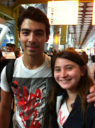 Photos Fans met Joe Jonas at London Airport 6/24/12 (awjprwkceaacyhp)