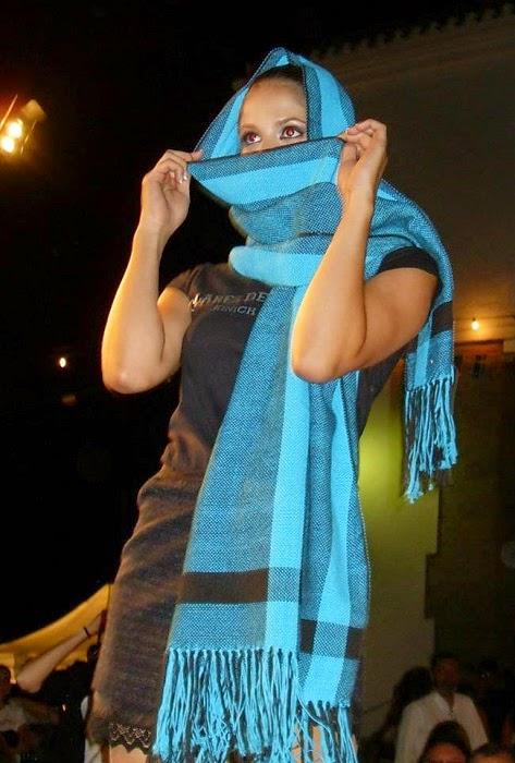bufanda celeste y azul