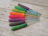 http://www.thechillydog.com/2015/09/clay-tutorial-crochet-hook-handles.html