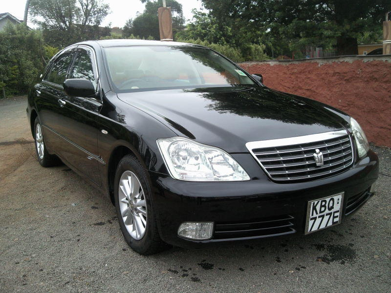 TOYOTA CROWN 2004 MODEL-3.bp.blogspot.com
