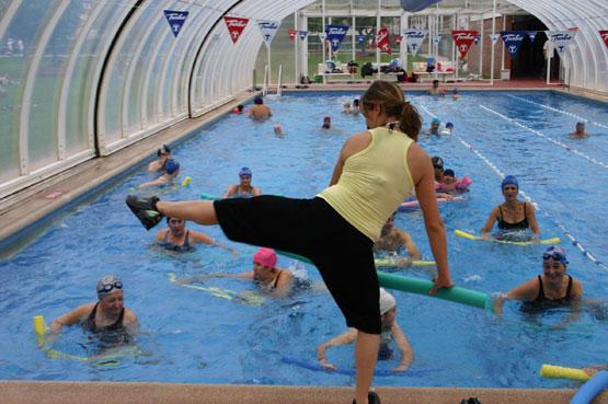 Embellecethe aquatraining tonificaci n muscular en el agua for Ejercicios espalda piscina