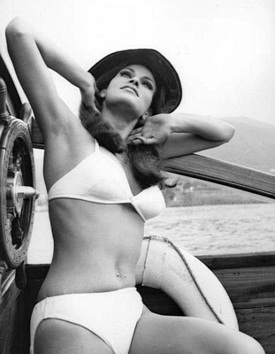 http://louxosenjoyables.tumblr.com/post/129805859321/fuckyeahraquelwelch-raquel-welch