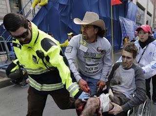 http://tempsreel.nouvelobs.com/galeries-photos/attentat-marathon-boston/20130415.OBS8043/boston-en-etat-d-alerte-apres-des-explosions-mortelles.html#photo