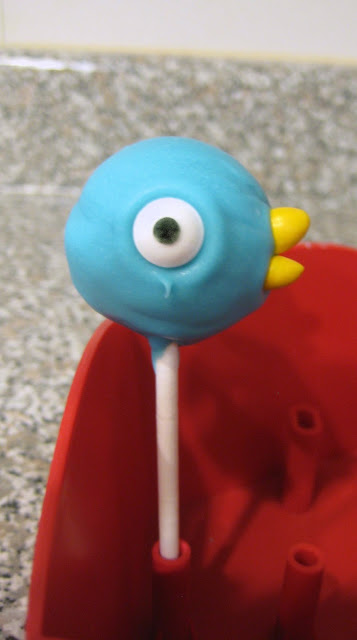 Mo Willems' The Pigeon Cake Pop 1