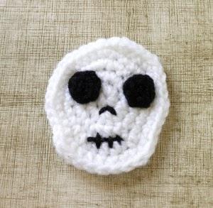 Free Amigurumi Skull Pattern : 2000 Free Amigurumi Patterns: Skull Magnet for Halloween
