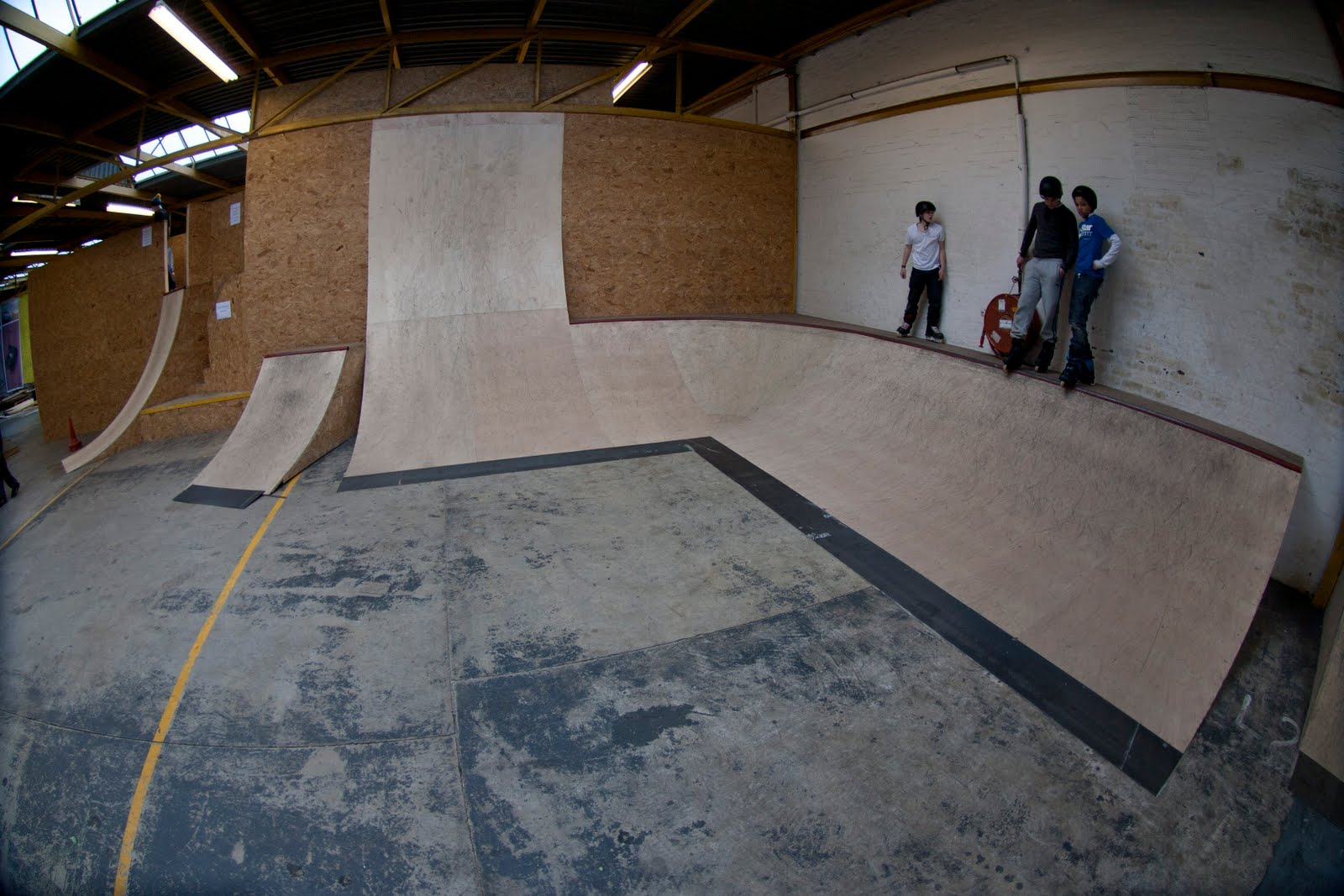 Shralp ya bass spot guide the garage skatepark