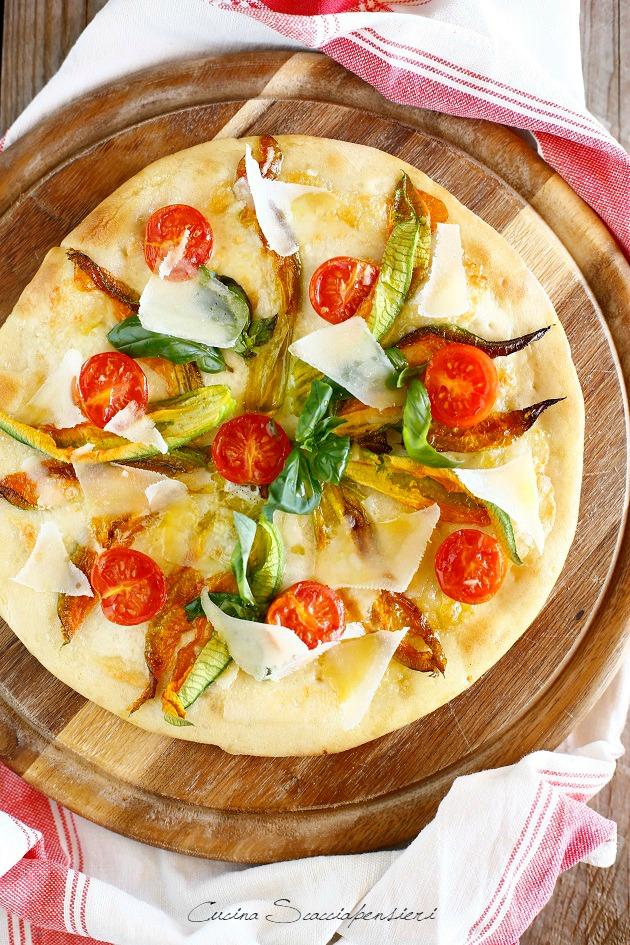 Pizza A Lievitazione Naturale Con Fiori Di Zucca E