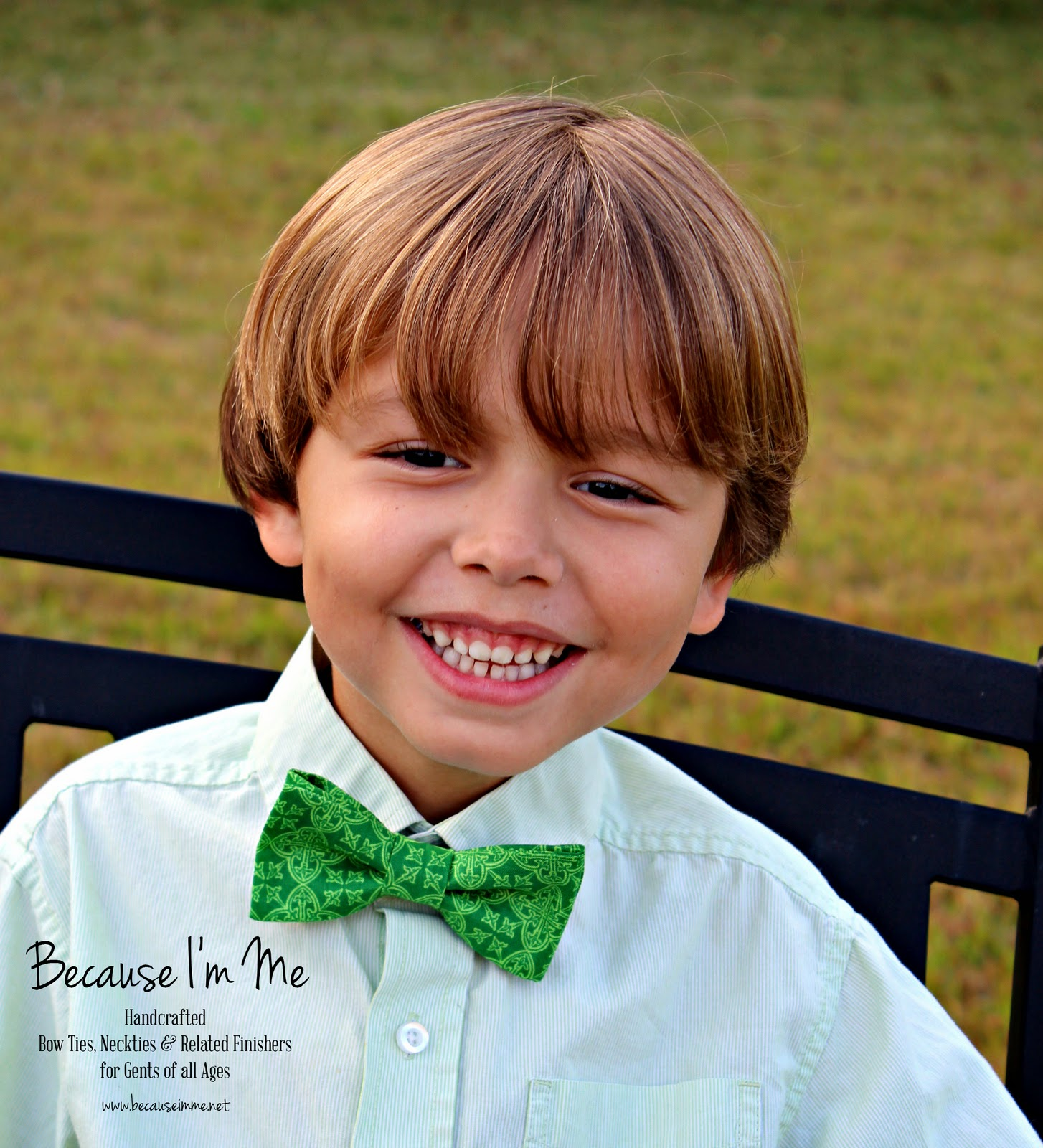 Irish Green Gaelic Print Bow Tie for St. Patrick's Day, festive tie for men and boys