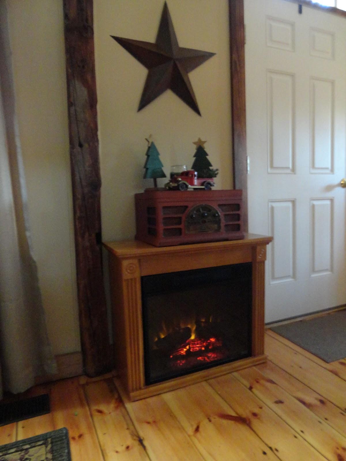 the long awaited home simplicity or my boring christmas mantel