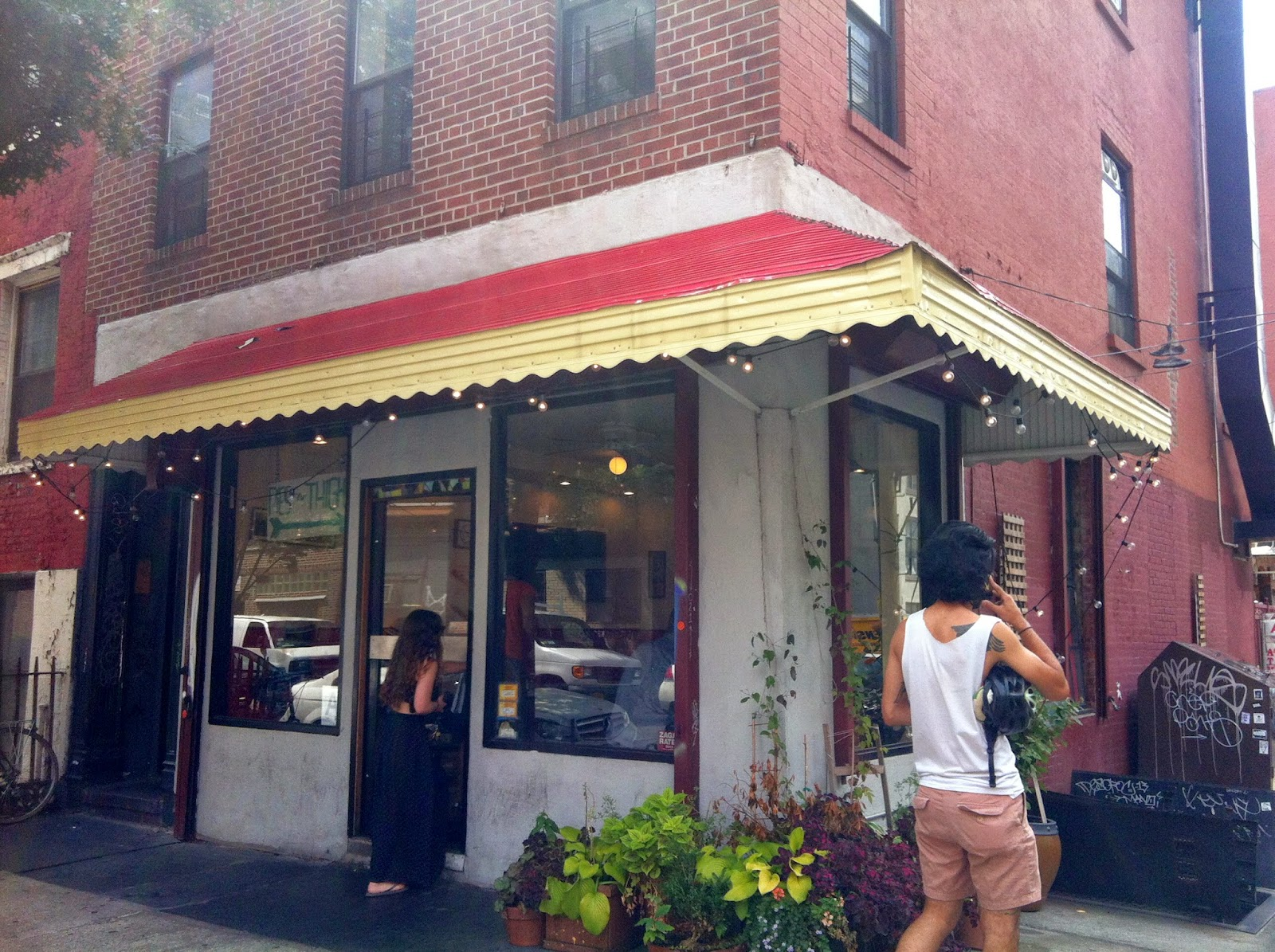 ブルックリンひとり旅 (2) 食事 ハンバーガー、チキン、ドーナツ、ビール